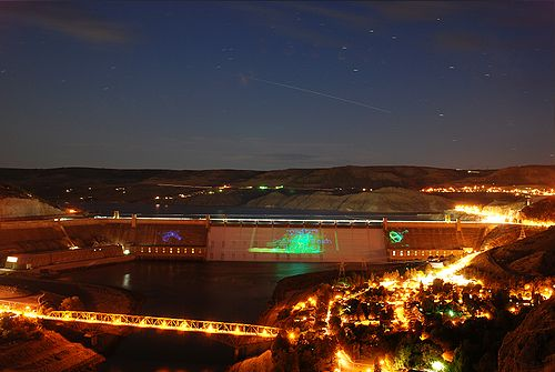 500px-Grand_Coulee_Dam_Laser_Show