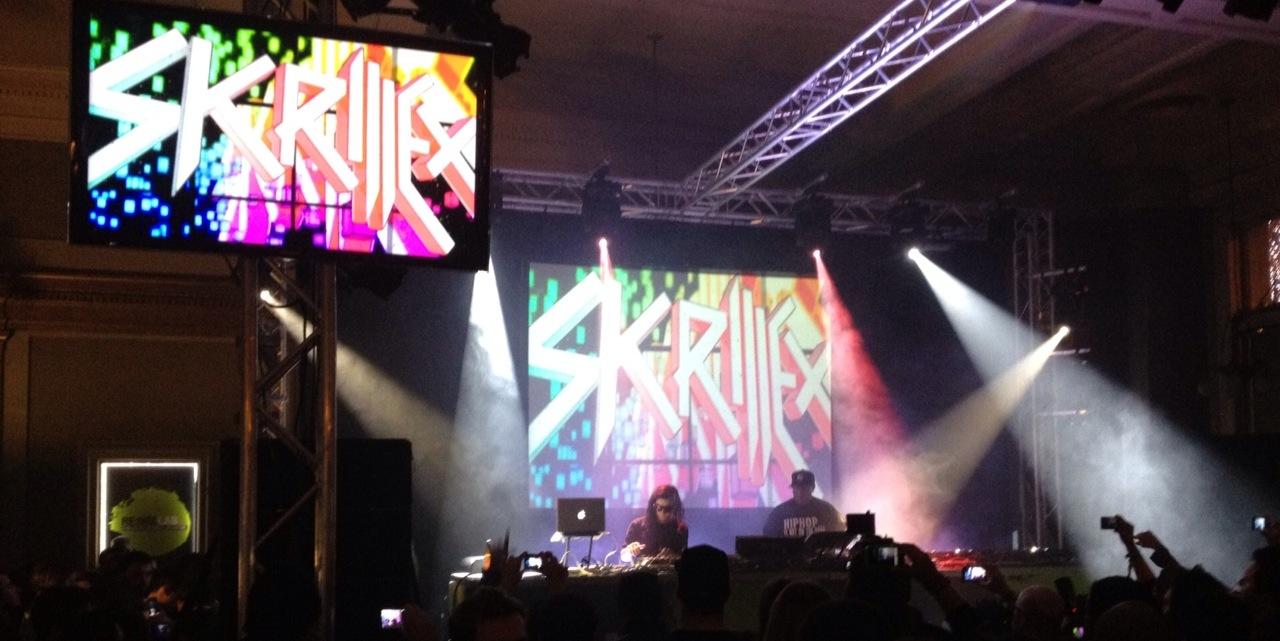 http://www.theburningear.com/media/2011/12/skrillex-live1.jpg
